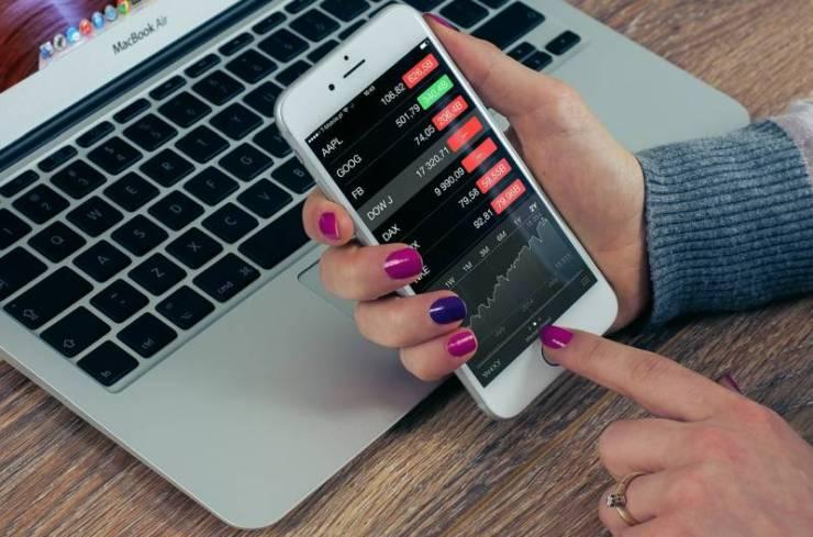 Free app to follow stock prices
