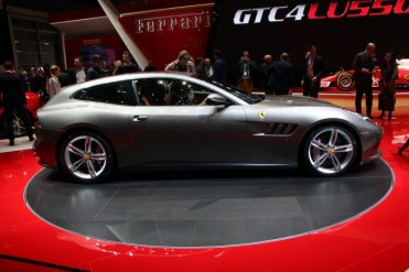 Ferrari-GTC4-Lusso-5-680x453