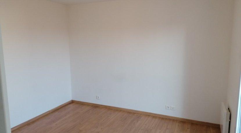 vente-dans-une-copropriete-de-2011-au-1er-etage-dune-residence-...-challans-C0340A-2193-3