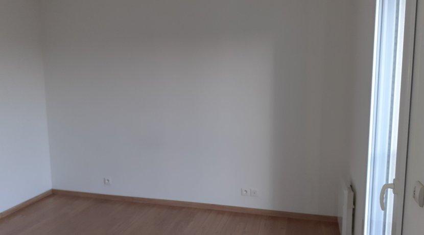 vente-dans-une-copropriete-de-2011-au-1er-etage-dune-residence-...-challans-C0340A-2193-9