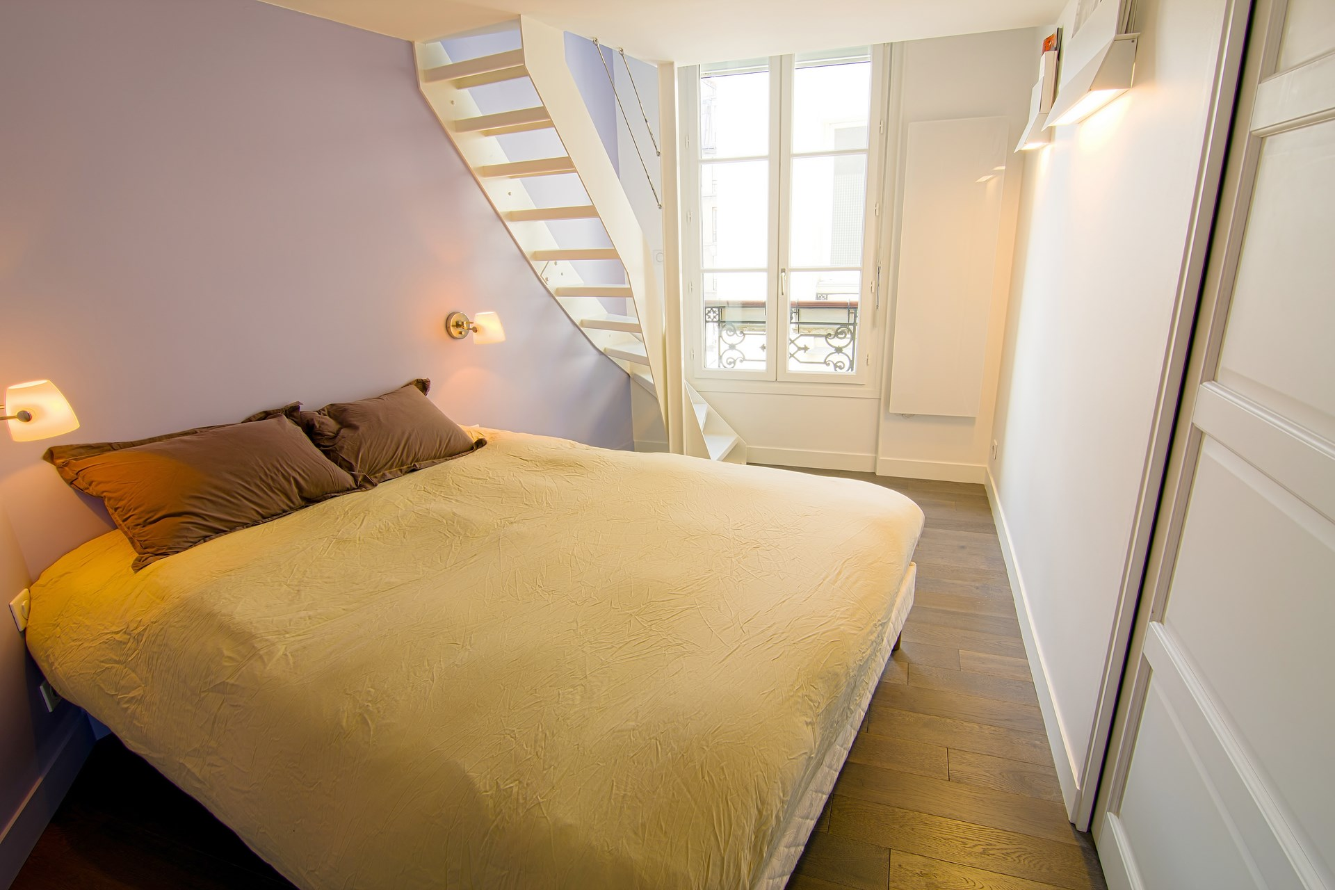 Amnagement appartement sous combles baign de lumire paris
