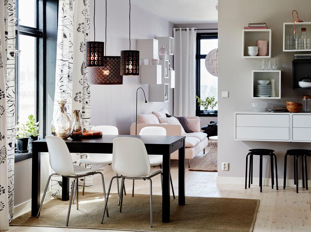 coin repas avec table en bois brun
