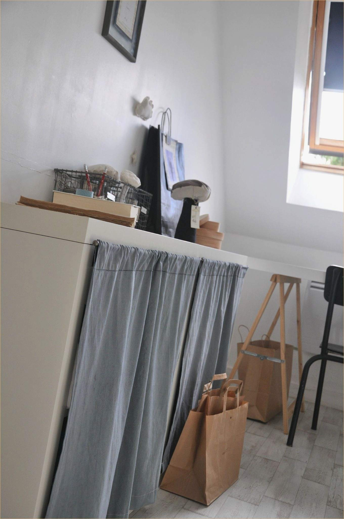 cacher etagere meuble a rideau ikea