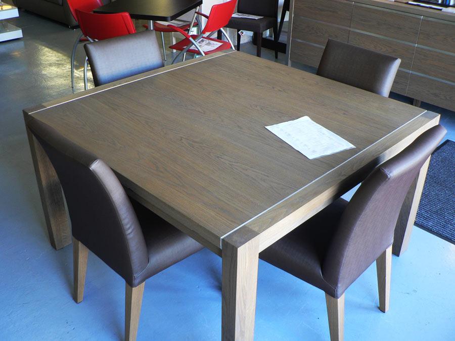 table et chaise sur pour table salle a