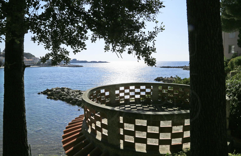 proprit pieds dans leau a vendre  Bandol  Villa bord de mer avec accs privatif  la mer