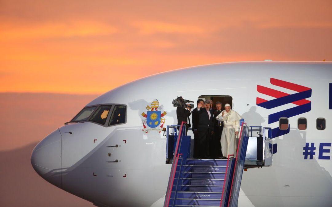Peru: Papa encerra viagem vivida em festa da Amazónia ao Pacífico