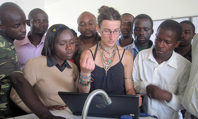 Lecturing_Rwanda2011
