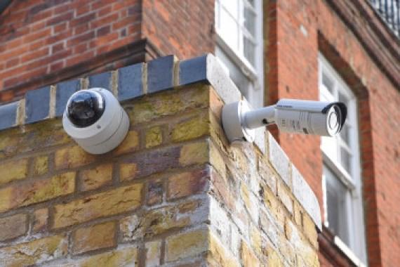Los investigadores han estudiado el caso de la vigilancia masiva en España y Reino Unido. / simell1968