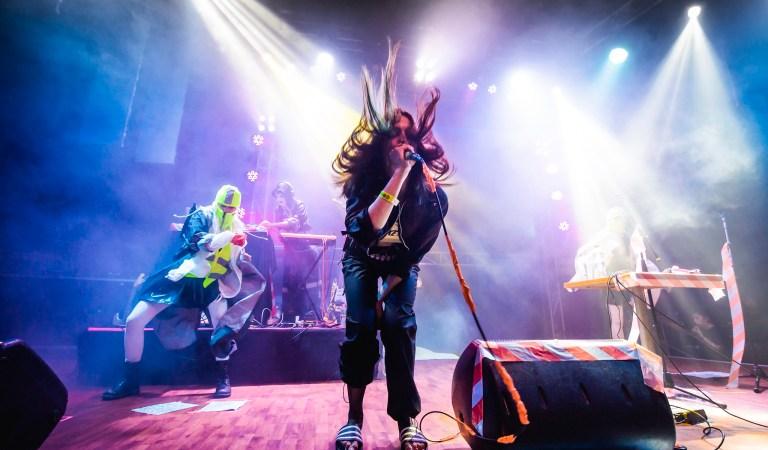Fotos de Pussy Riot en Blondie: 17 de Abril