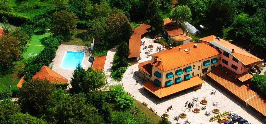 Una veduta dall'alto dell'Agriturismo Ricciardelli a Contrada Avellino