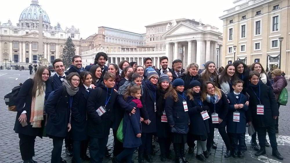 Il Coro del Gesualdo a Piazza San Pietro