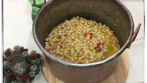 In provincia di Avellino, il 13 dicembre l'appuntamento è con i Cicci di Santa Lucia, una zuppa mista di cereali e legumi.