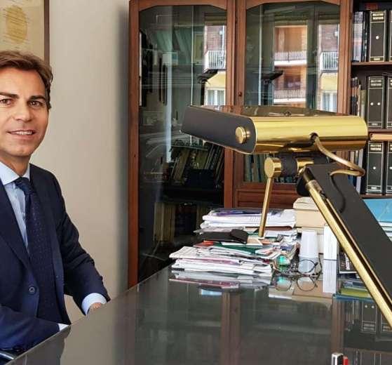 Il dottore commercialista Luca Rosapane
