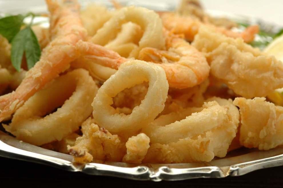 Da Kalò Pizzerie in via Colombo ad Avellino prenota il cenone del 24 dicembre da asporto: due menù, a base di pesce e di carne per la vigilia di Natale.