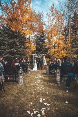 Podzimní svatba v přírodě