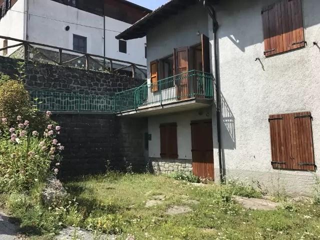 Affitto Appartamento con Giardino Piandinovello Quattro Vani (1)