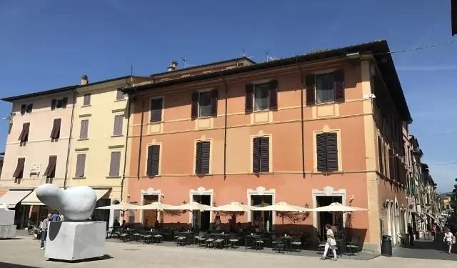 Appartamento Pietrasanta Centro Tre Vani Mq 110 Ristrutturato