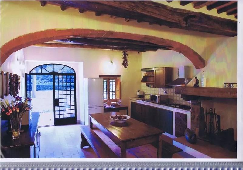 Villa Terra Tetto Pietrasanta Tonfano Mq 280 Giardino Mq 1300