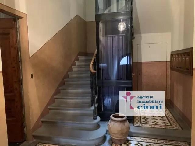 Quadrilocale Mq 170 Firenze Porta Romana V. Pindemonte Piano Rialzato (142)