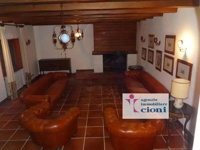 Villa Abetone Via Bagatti Mq 450 Dieci Locali (23)