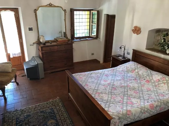 Villa Leopoldina Mq 400 Firenze Pontassieve 15 vani terreno 2,5 Ettari Appartamento Loggiato (43)