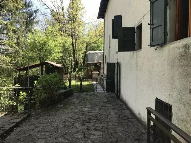 Villetta Bifamiliare Pianosinatico Porzione Terra Tetto Quattro Vani Mq 130 (26)