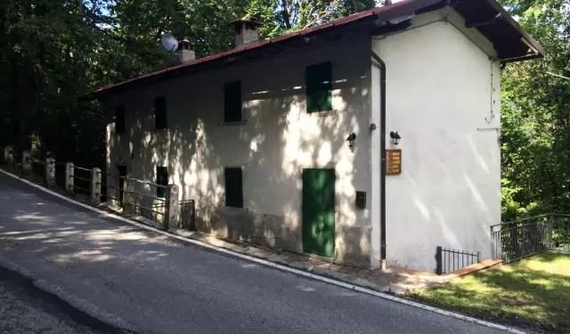 Villetta Bifamiliare Pianosinatico Porzione Terra Tetto Quattro Vani Mq 130
