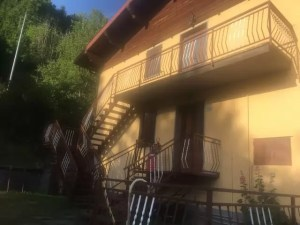 Villetta Terra Tetto Abetone Bicchiere Tre Appartamenti Mq 180