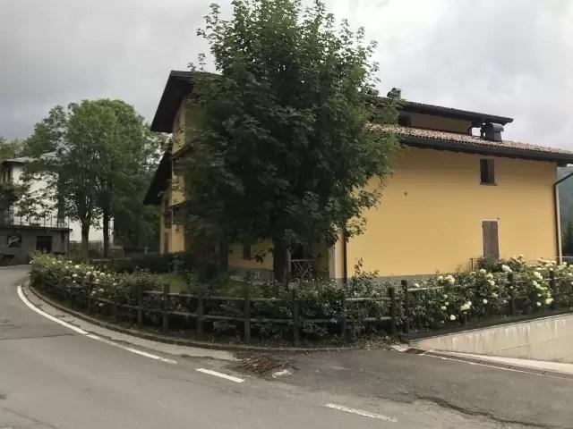 Mansarda Abetone Via Uccelliera Mq 100 Trilocale e Soppalco Mq 18 Secondo Piano Ascensore Due Garage (21)