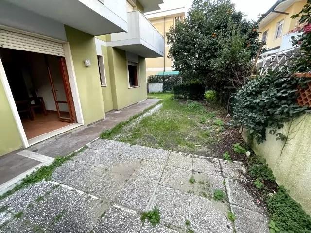 Trilocale Viareggio Terminetto Mq 66 Piano Terra Giardino Mq 100 Parcheggio Privato (9)