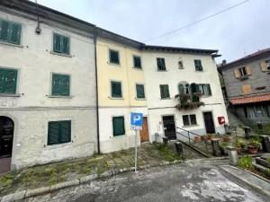 Villetta Ristrutturata Pianosinatico Mq 120 Quadrilocale Tre Piani Due Ingressi