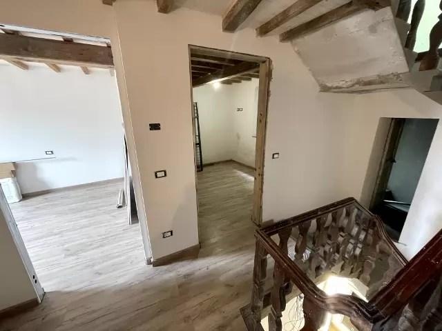 Villetta Ristrutturata Pianosinatico Mq 120 Quadrilocale Tre Piani Due Ingressi (26)