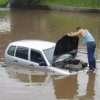 STRADA ALLAGATA: CHI RISARCISCE I DANNI ALLE AUTO?