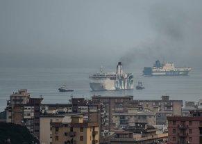 traghetto toscana snav incendio
