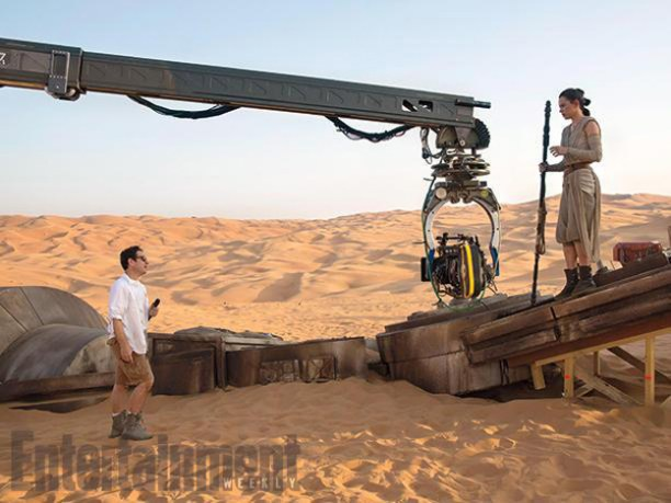 Star-Wars-The-Force-Awakens-Daisy-Ridley-and-JJ-Abrams