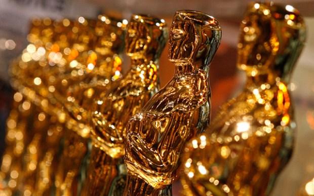Oscar-statuettes_3197387b