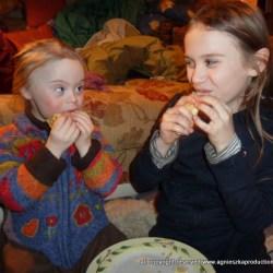 Agi K & Magdalena eating pancakes