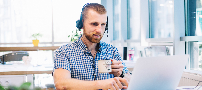 Use help desk groups to deliver expert support every time