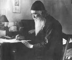 Άγιος Παΐσιος: «Αυτή την στιγμή φεύγει για την αιωνιότητα ένας μεγάλος Άγιος της Εκκλησίας μας, ο πατήρ Φιλόθεος Ζερβάκος»!