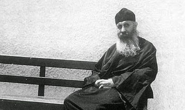 Πως εφάρμοσε ο π. Επιφάνιος Θεοδωρόπουλος το ρητό: «πρώτον καταλλάγηθι τοις σε λυπούσι»