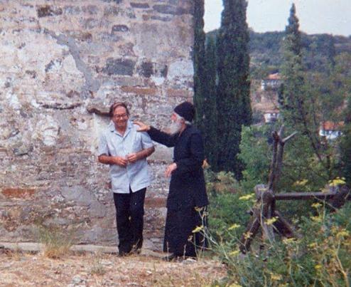 """""""Τι ενώνει περισσότερο τον άνδρα με την γυναίκα;"""" Αγίου Παϊσίου Αγιορείτου"""
