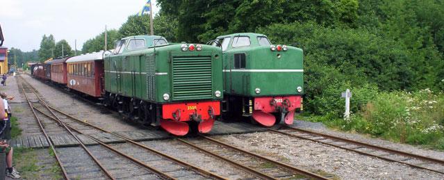 Tp 3500 och Tp 3503 i Anten. Foto: Patrik Engberg