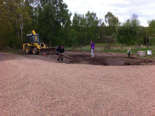 Trädgårdsarbete i Anten. Foto: Patrik Engberg