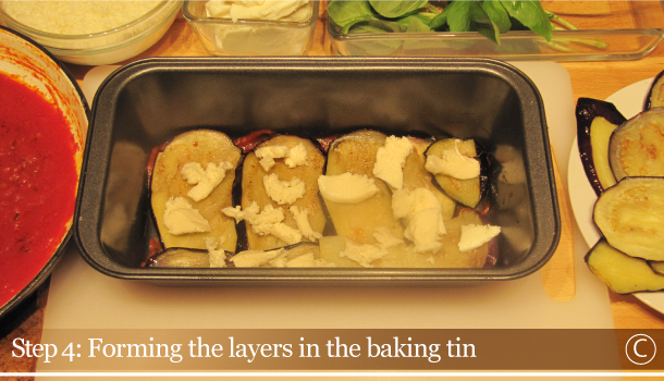 Parmigiana di Melanzane - Aubergine Parmigiana Pie - How to - step 4C - Forming the layers in the baking tin