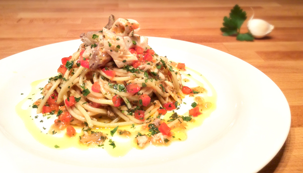 """Spaghetti with Sea Bream Sauce"" recipe - ""Spaghetti con l'Orata"""