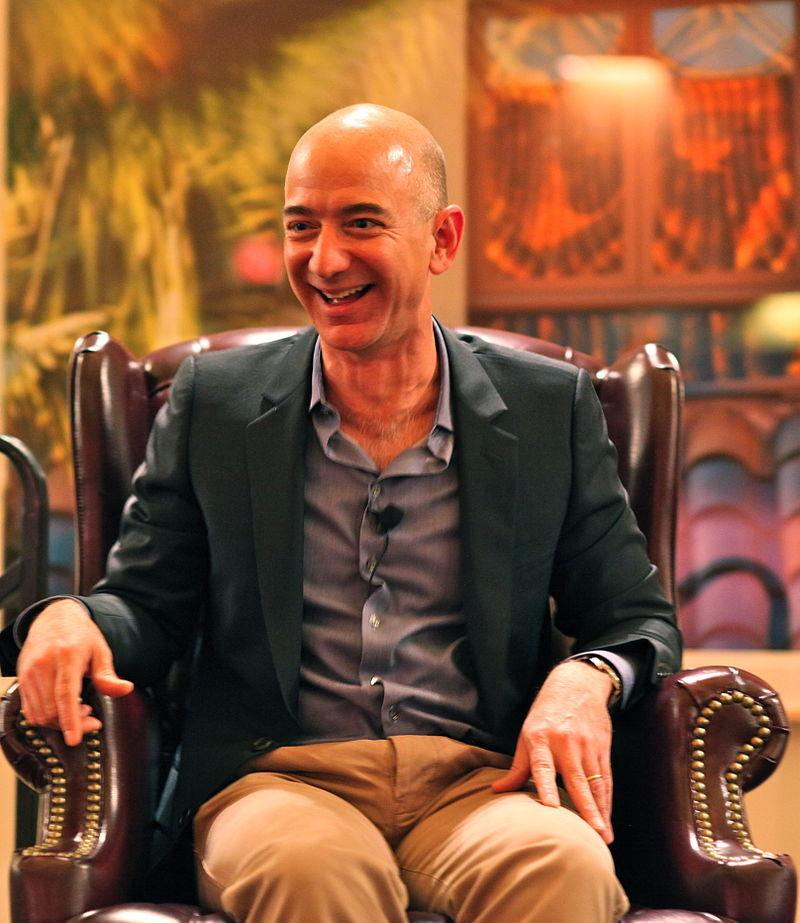 ¿Cómo ha llegado Jeff Bezos, dueño de Amazon, a ser el hombre más rico del mundo?