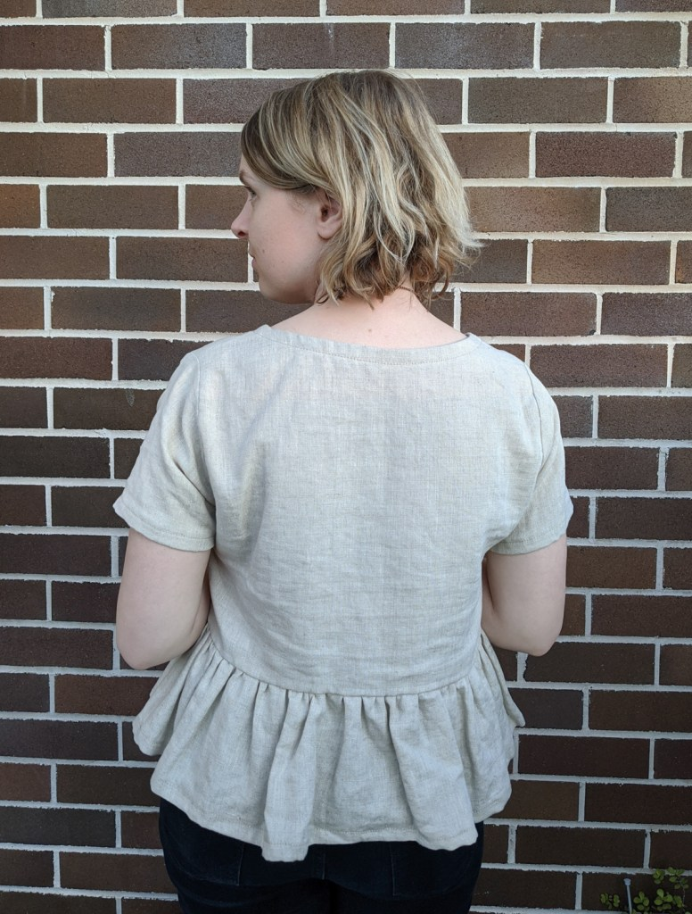 A linen ruffle top that I sewed during the slow fashion challenge