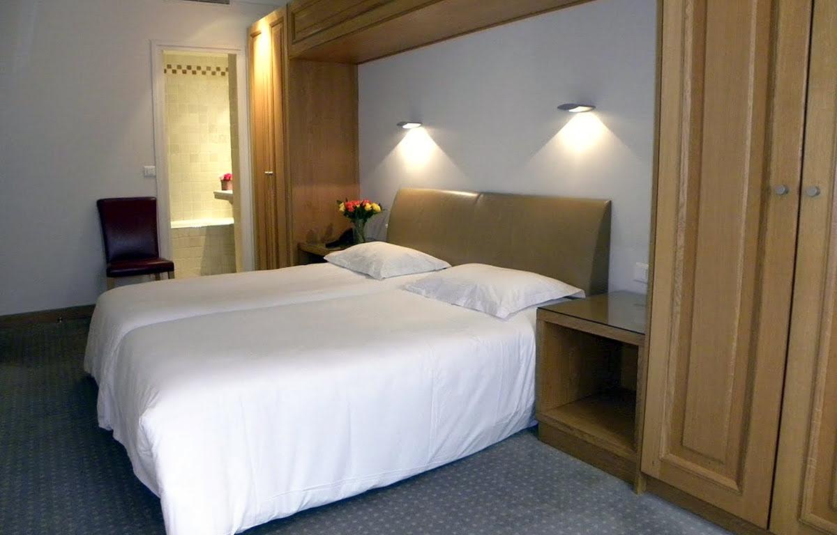 Bars in Paris-France-nightlife-Hotel Du Vieux Marais