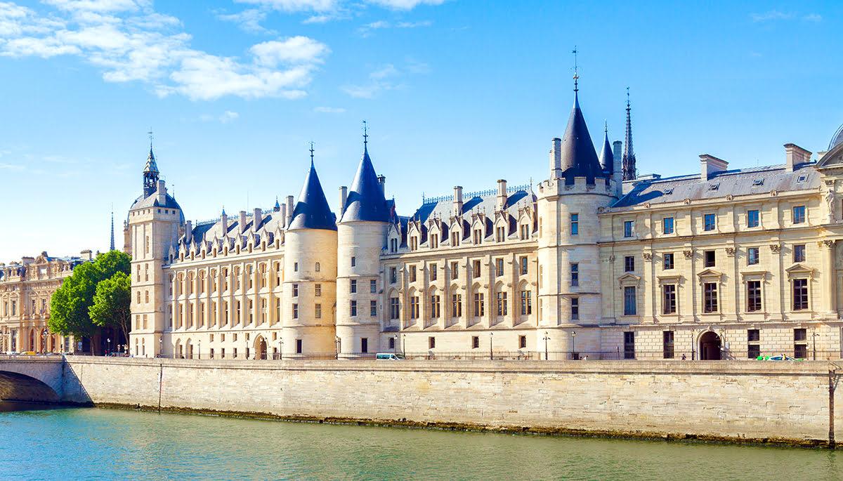 Paris attractions-travel France-Conciergerie-Ile de la Cite