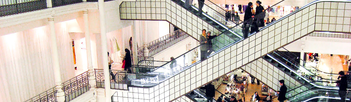Paris shopping-France-Featured photo-Saint Germain Des Prés shopping street-Le Bon Marche Department Store